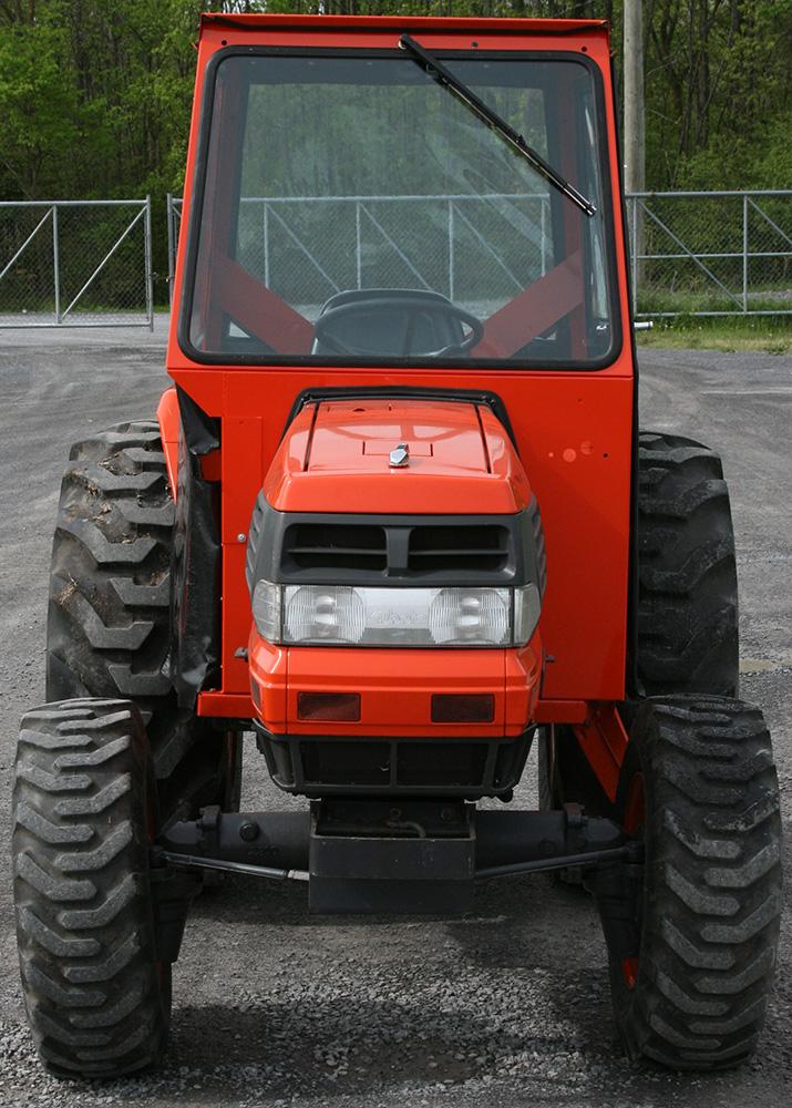 kubota l2900 l3010 l3300 l3410 l3710 l4310 l4610 tractor cabs rh cabdepot com Kubota Tractors L Series Kubota Tractor with Front Mounted Snow Blower